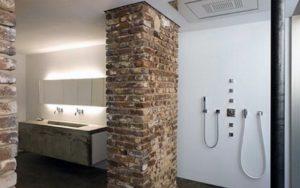 bakstenen badkamer vocht